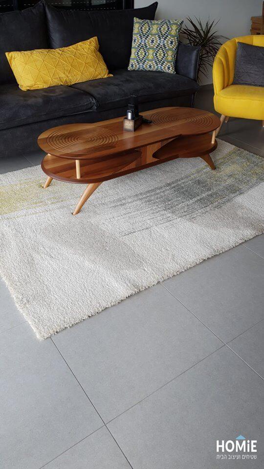 שטיח סלון אבסטרקטי בלגי מריחות צבע ירוק וצהוב