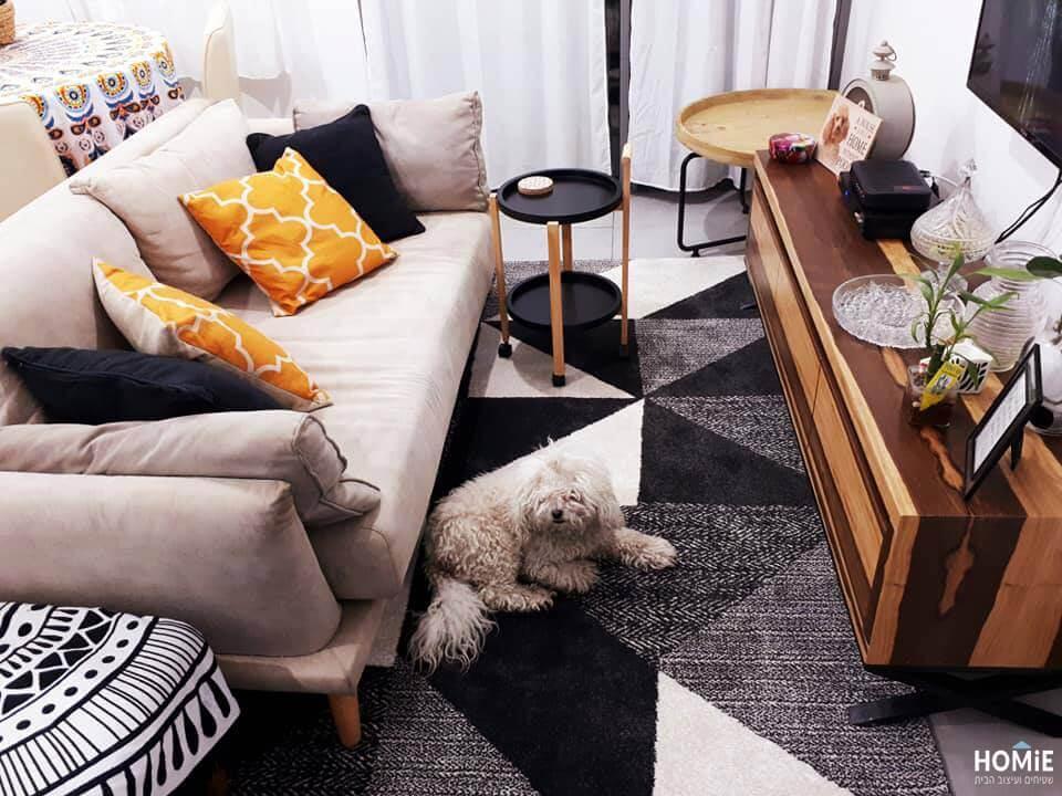 שטיח גיאומטרי מודרני לסלון בצבע שחור, אפור ושמנת תוצרת בלגיה
